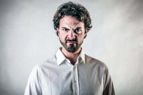 Oorzaken en beheer van woedeaanvallen