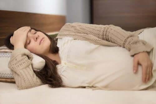 De oorzaken van nierkoliek tijdens de zwangerschap