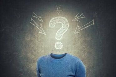 Wat zijn confabulaties en waarom komen ze voor?