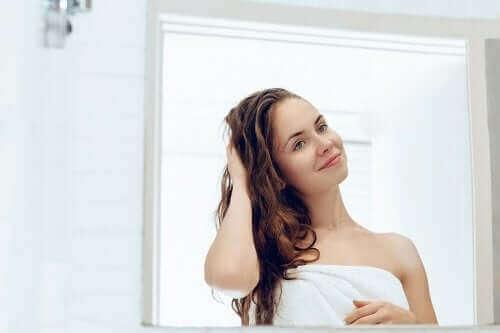 5 behandelingen voor van nature droog haar