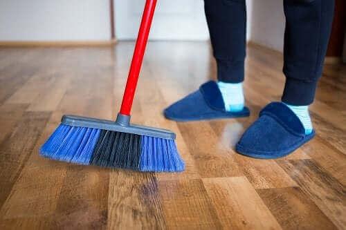 4 methoden voor het polijsten van houten vloeren