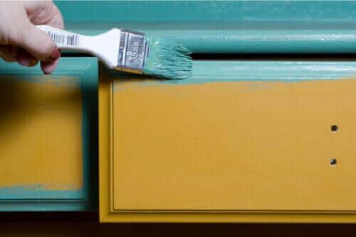 Tips voor het schilderen van houten meubels