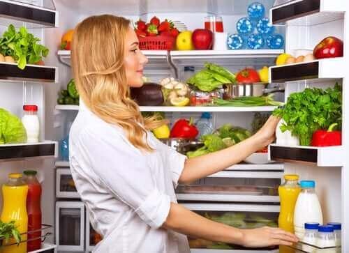 Koelkast met gezond voedsel