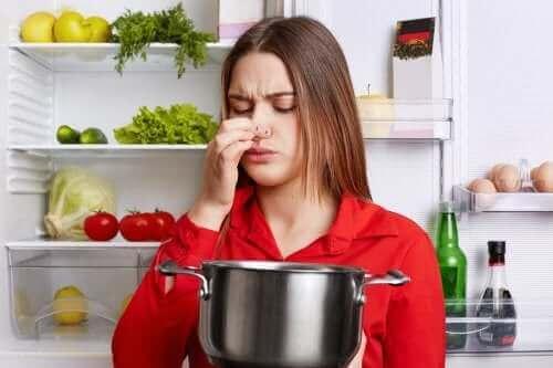 5 trucs om een visgeur uit je keuken te verwijderen