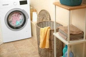 Hoe de geur van natte handdoeken te verwijderen
