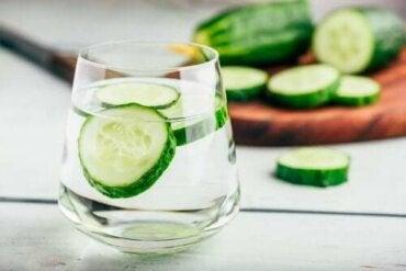 Komkommerwater is een natuurlijk diureticum