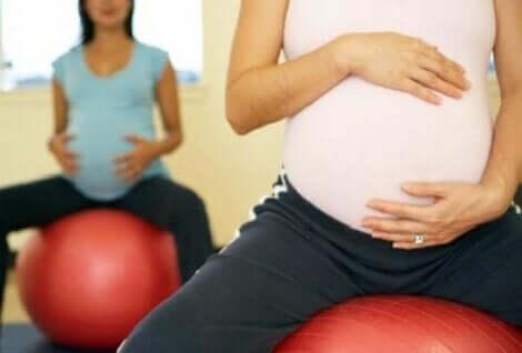 Zwangerschapsgymnastiek met pilatesballen