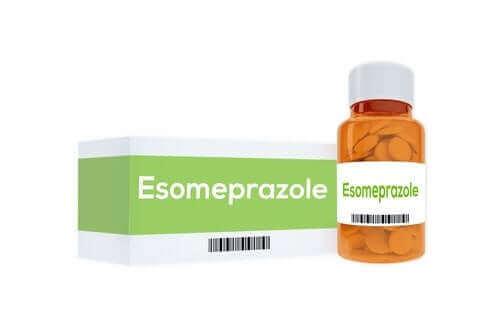Het gebruik en de effecten van esomeprazol