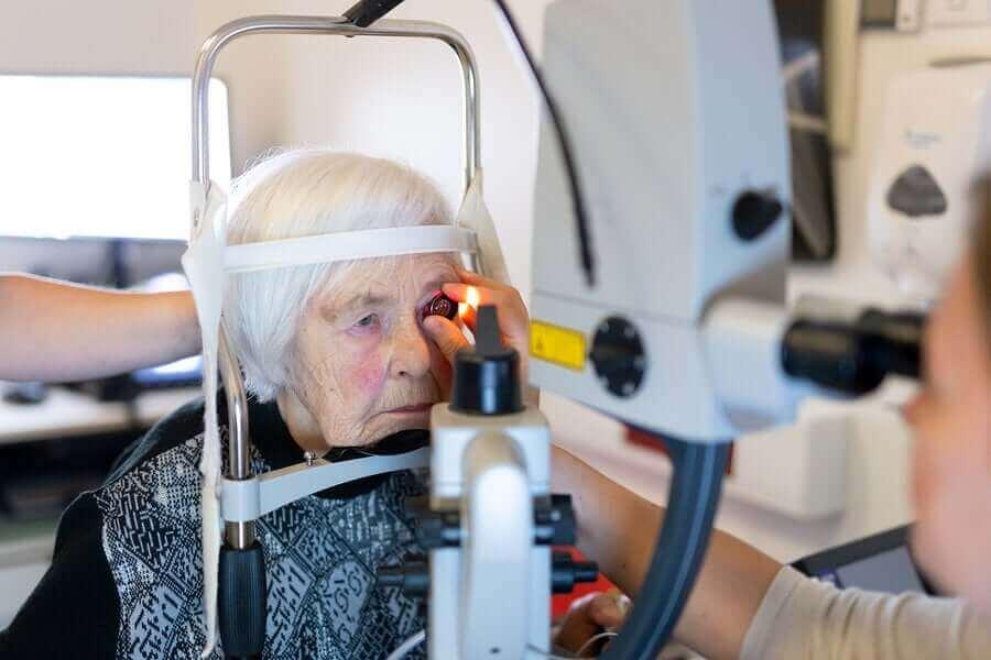 Een staaroperatie kan gedaan worden met een femtosconde laser