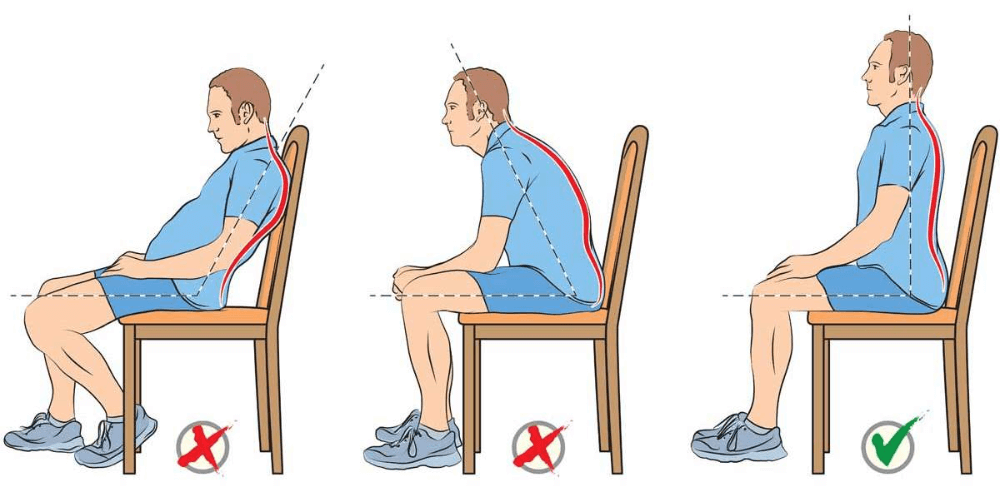 Man op een stoel