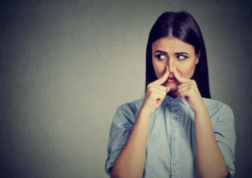 Fantosmie: waardoor verschijnen olfactorische hallucinaties?