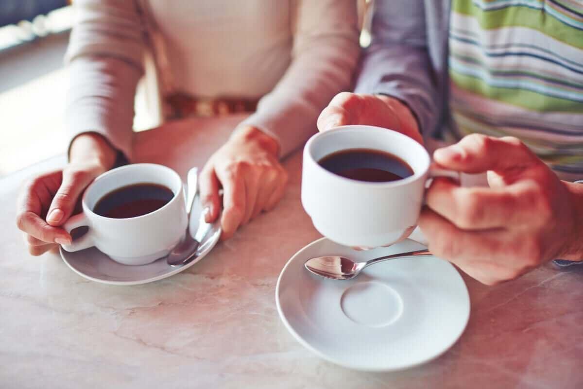 Hebben koffie en citroen meer voordelen als je ze samen consumeert