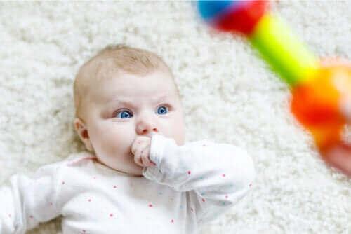 Weet jij waarom baby's staren naar wat ze zien?