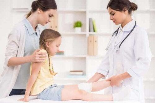 Een kind bij de dokter
