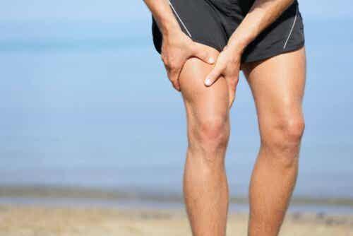 Sporter met een pijnlijk been