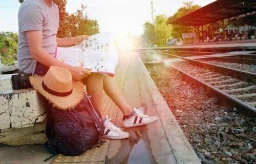 Man wacht op de trein