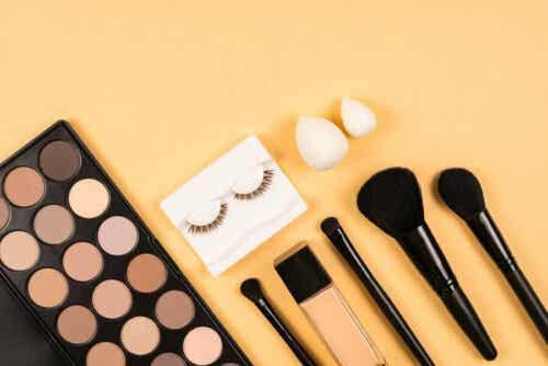 Make-up en benodigdheden