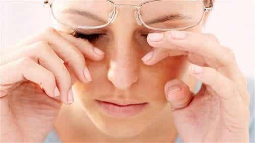 Vrouw met een bril