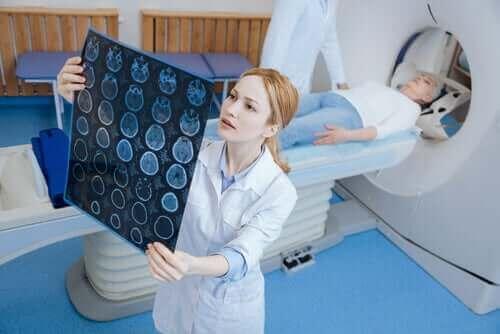 De verschillen tussen een CT-scan en een MRI-scan