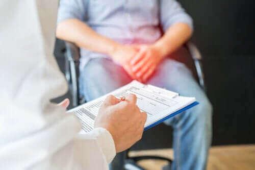 Waarom doet een klap tegen de testikels zoveel pijn?
