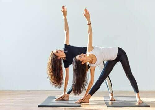 Kan yoga tegen artrose helpen en hoe?