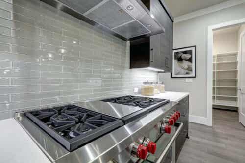 Een strakke, minimalistische keuken