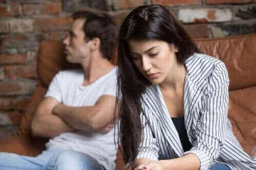 Wat kun je doen als je partner afwezig lijkt?