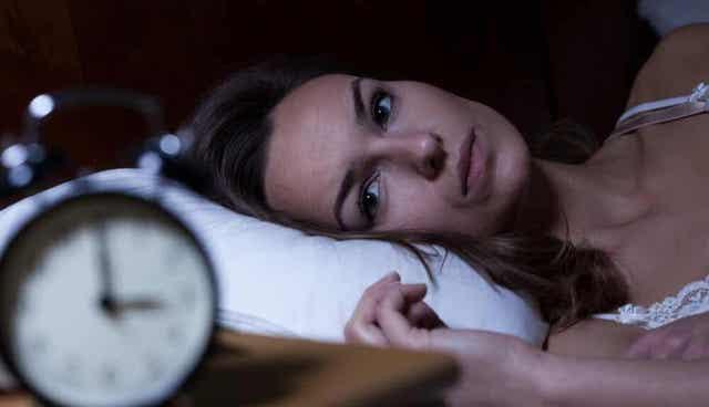 Vrouw kan niet slapen