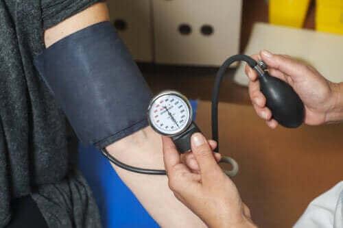 De gevolgen van hoge bloeddruk voor het lichaam