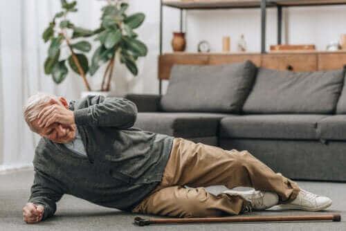 Manieren om valpartijen bij ouderen te voorkomen