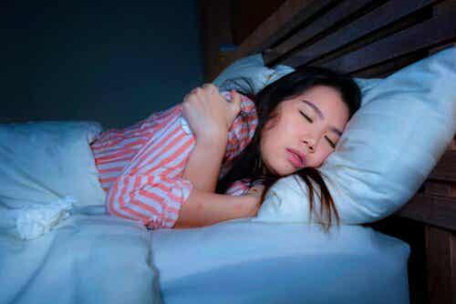 Stretchoefeningen om te doen voordat je naar bed gaat