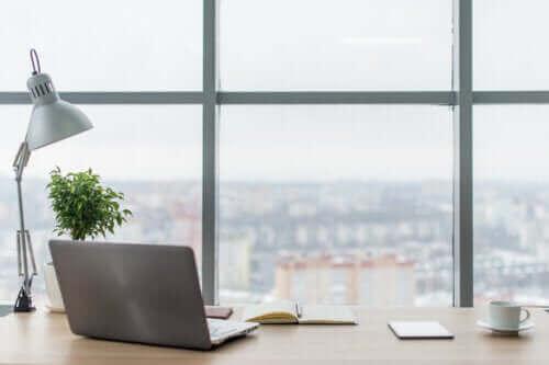 Hoe kun je de verlichting in je werkruimte verbeteren?
