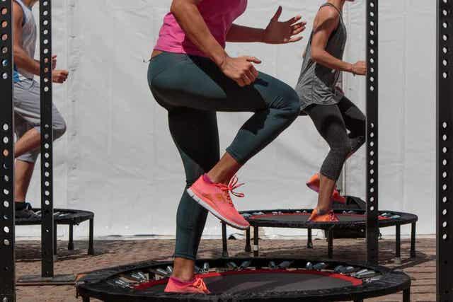 Een jumping fitness-sessie