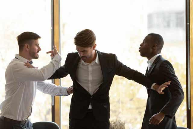 Tips om een baan die je niet leuk vindt op te zeggen als er bijvoorbeeld ruzie is met collega's