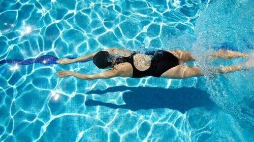 Wat zijn de gezondheidsvoordelen van zwemmen?