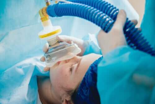 Voorzorgsmaatregelen en dosering van remifentanil