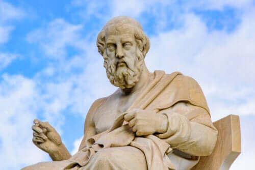 De verschillen tussen de filosofieën van Aristoteles en Plato