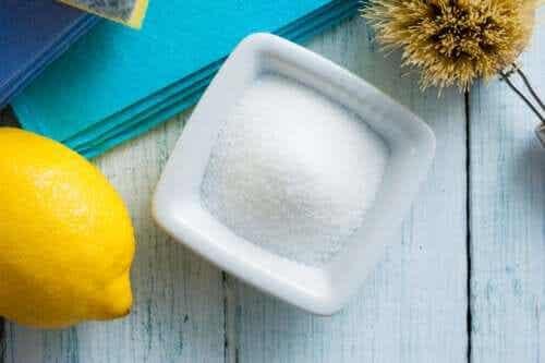 Manieren om citroenzuur te gebruiken in je huishoudroutine
