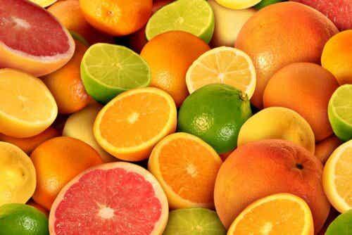Veel verschillende soorten citrusvruchten