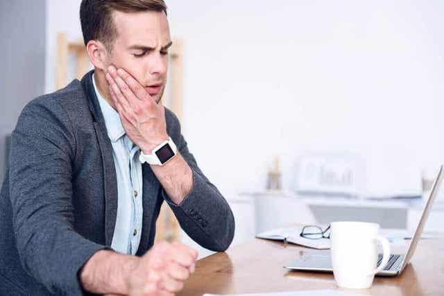 Hoe vermijd je de gevolgen van dwangmatig nagelbijten voor de mondgezondheid