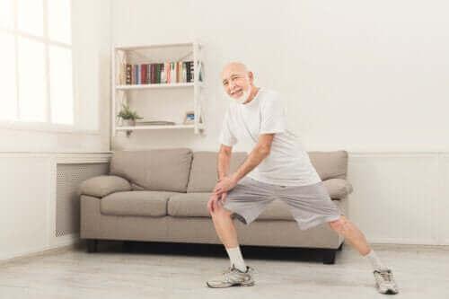 Thuisoefeningen voor ouderen boven de 70