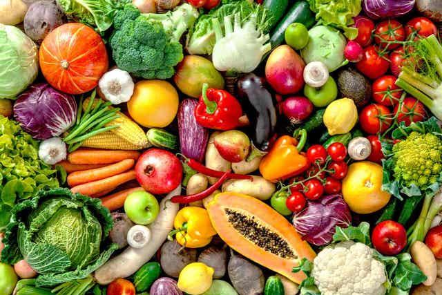 Zorg dat je veel verse groenten en fruit hebt als je een plantaardig dieet gaat volgen
