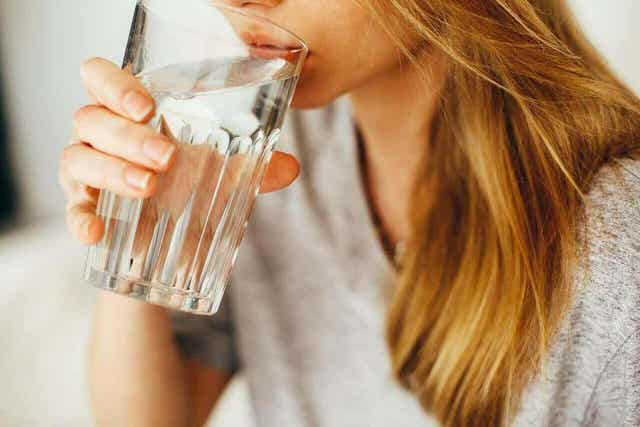 Je moet voldoende water drinken om niet resistent tegen afvallen te worden